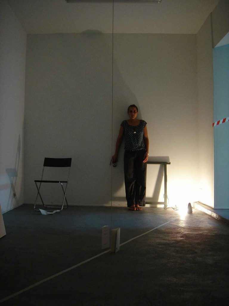 C dric torne et mounia kansoussi living room for Sonder bureau 13