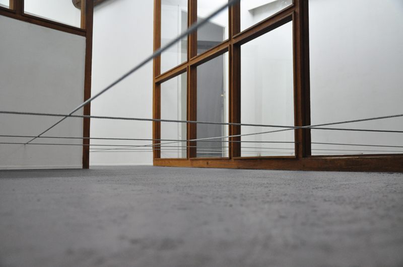 Nicolas-Kozerawski-Champs-de-(ex)tensions-2012-living-room-06